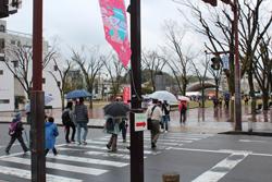 岡崎信用金庫資料館を出ると、すぐに籠田公園が見えてきます。