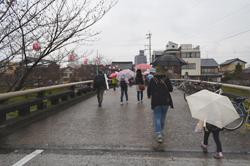 竹千代橋を渡り、岡崎公園をあとにします。