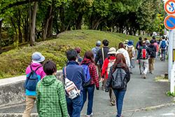 しばらく歩いていくと、桜ヶ丘ミュージアムが見えてきます。